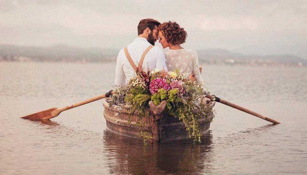 муж и жена в лодке