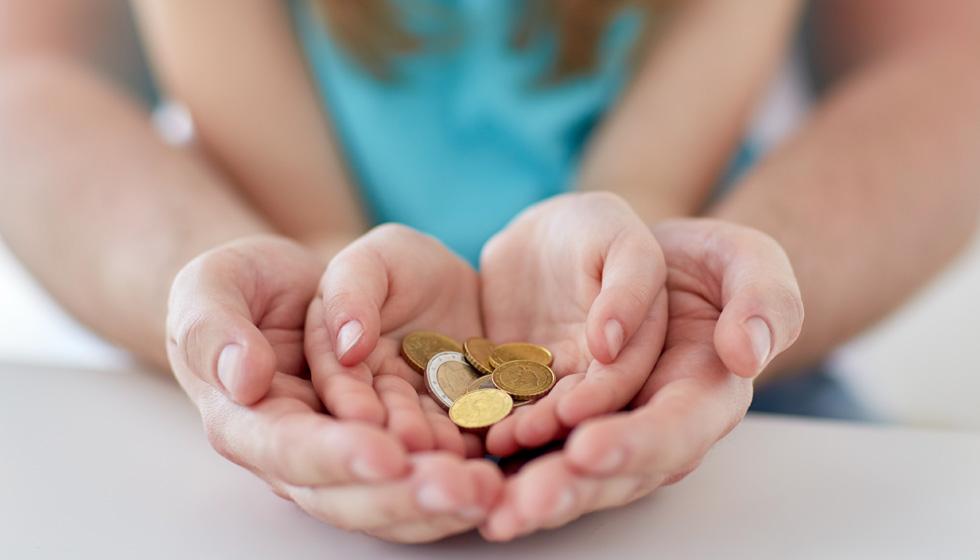 деньги в руках ребенка