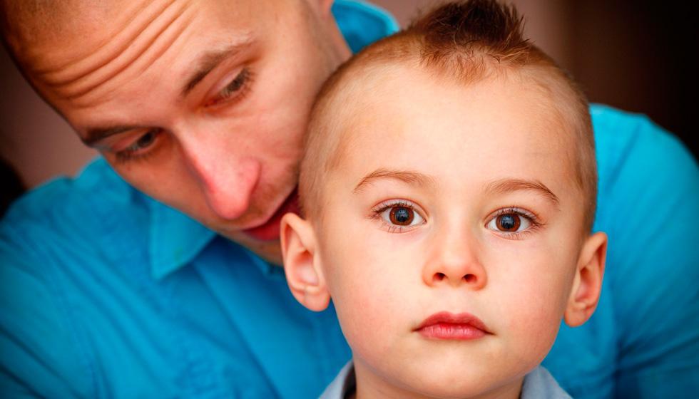 ребенок и мужчина