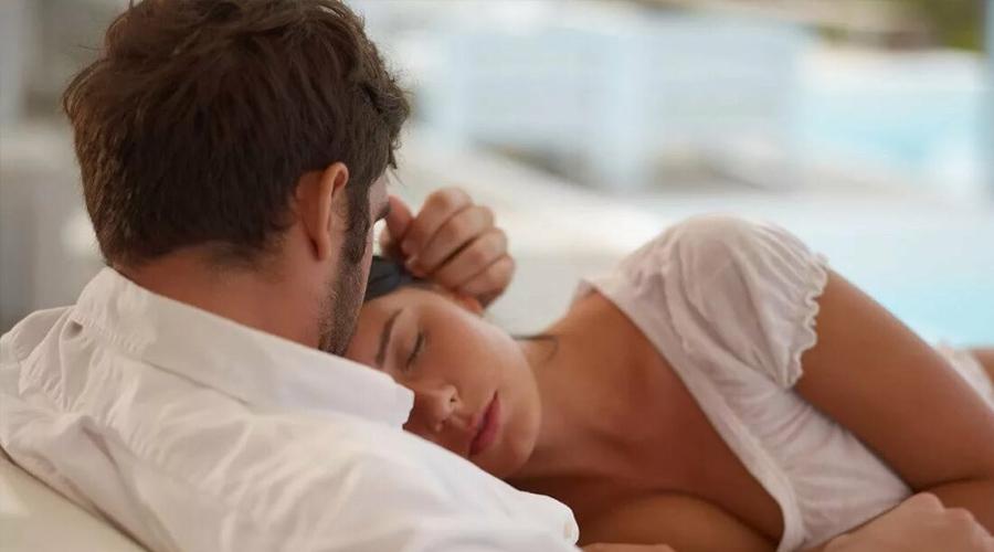 женщина устала мужчина жалеет